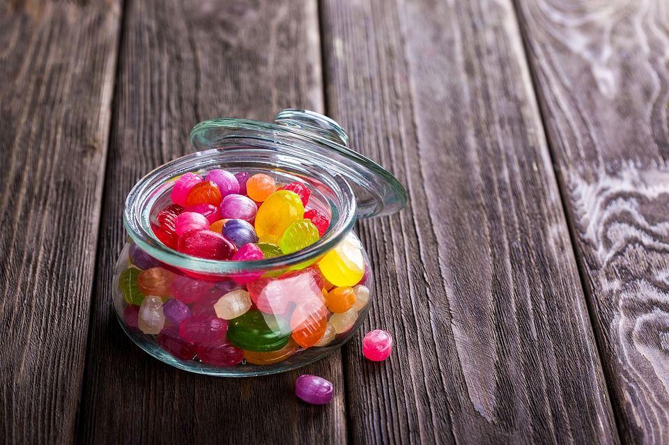 Caramelos y caries dental