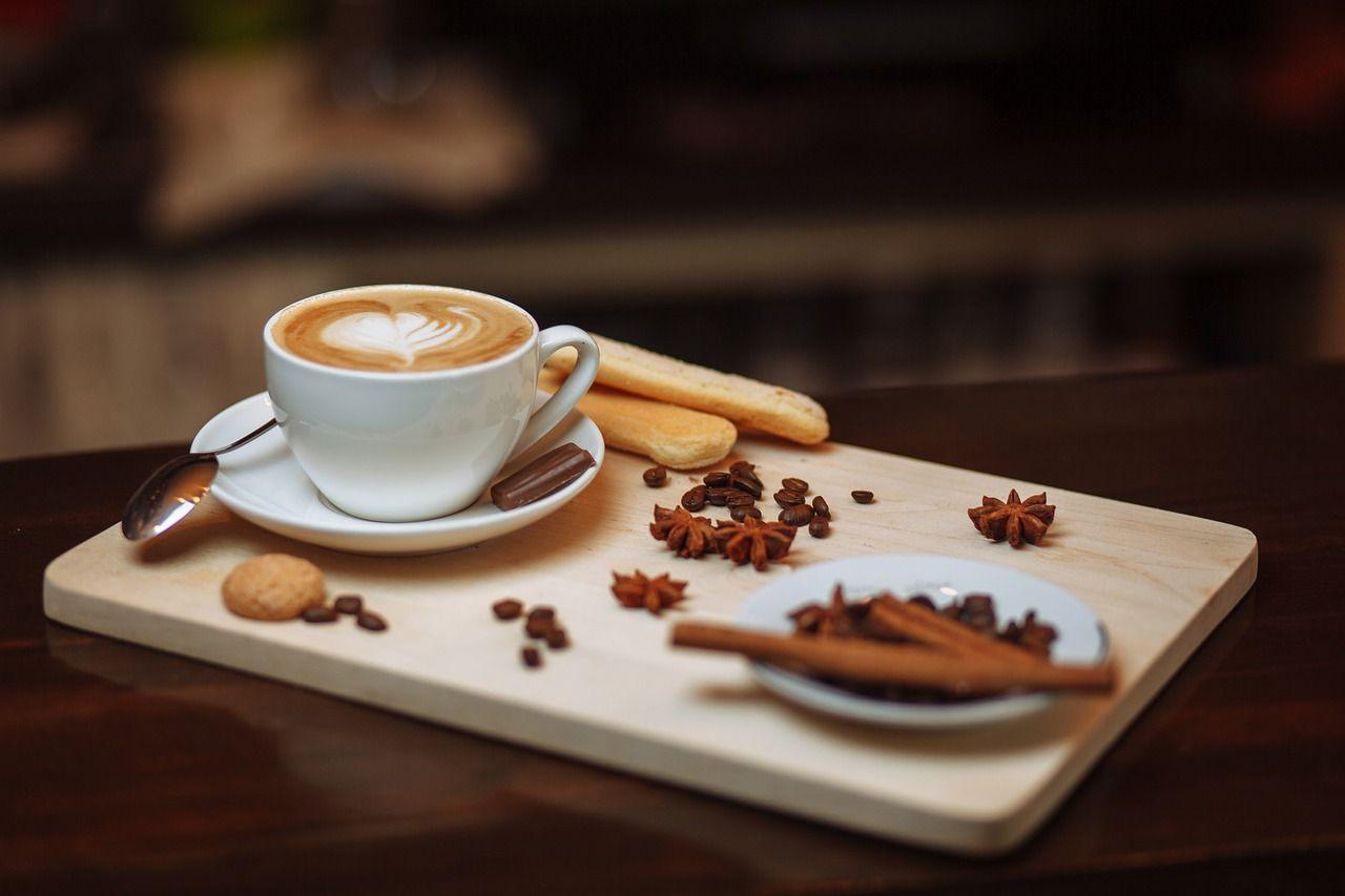 Tomar café y blanqueamiento