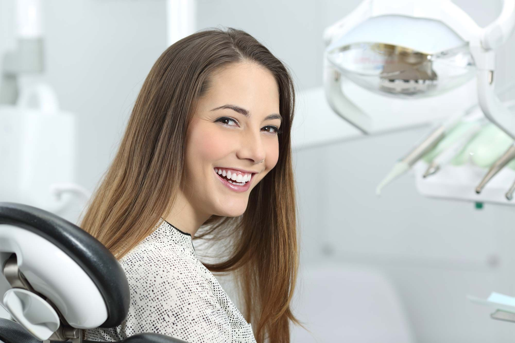 Riesgos del blanqueamiento dental - efectos secundarios