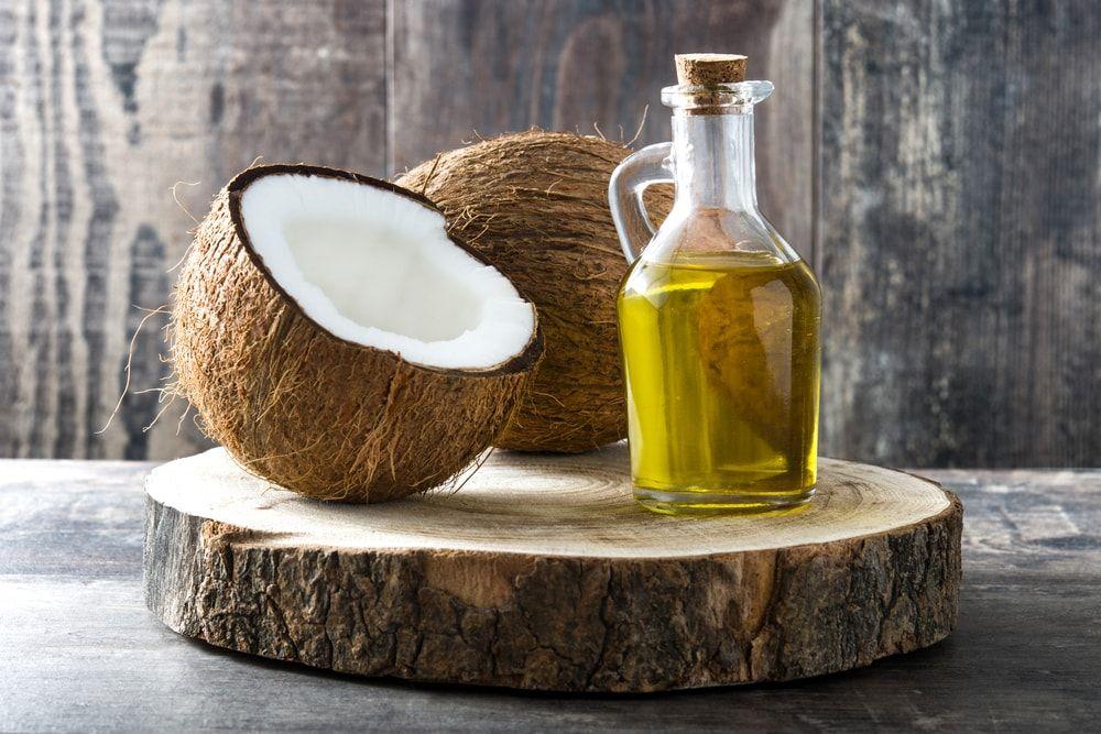 Blanqueamiento dental con aceite de coco [MITO]
