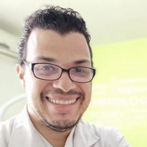 Odontólogo Luis Marcano